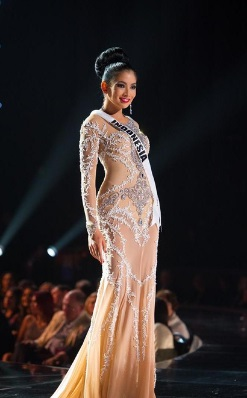 Gaun Malam Kontestan Indonesia