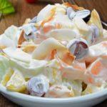 Ngemil Sehat dengan Salad Buah